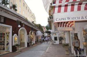 Le vie dello shopping a Capri
