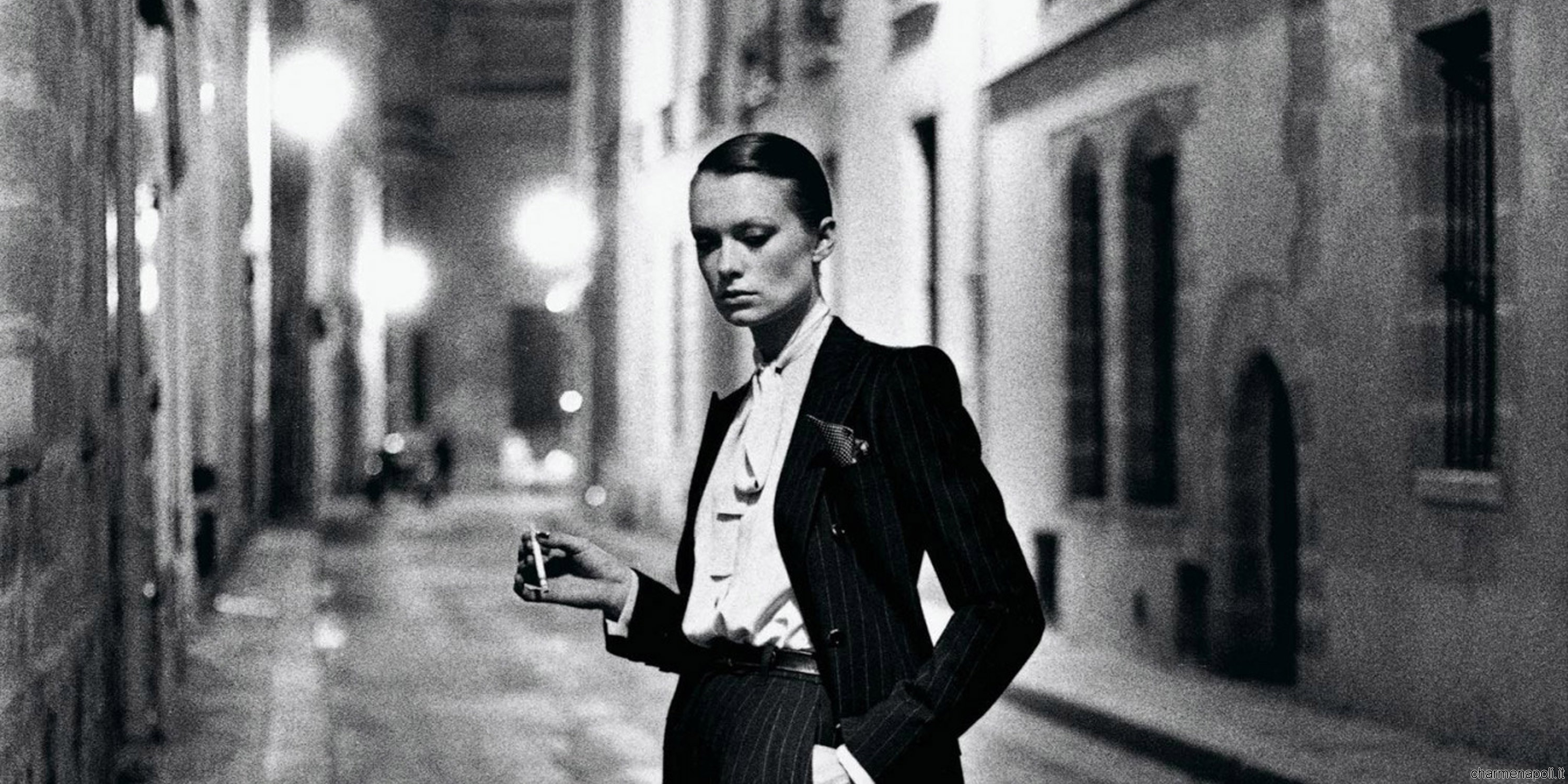 helmut newton at pan in naples to 18 june charme. Black Bedroom Furniture Sets. Home Design Ideas