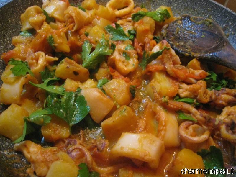 Totani e patate alla praianese piatto incantato di for Piatto della cucina povera