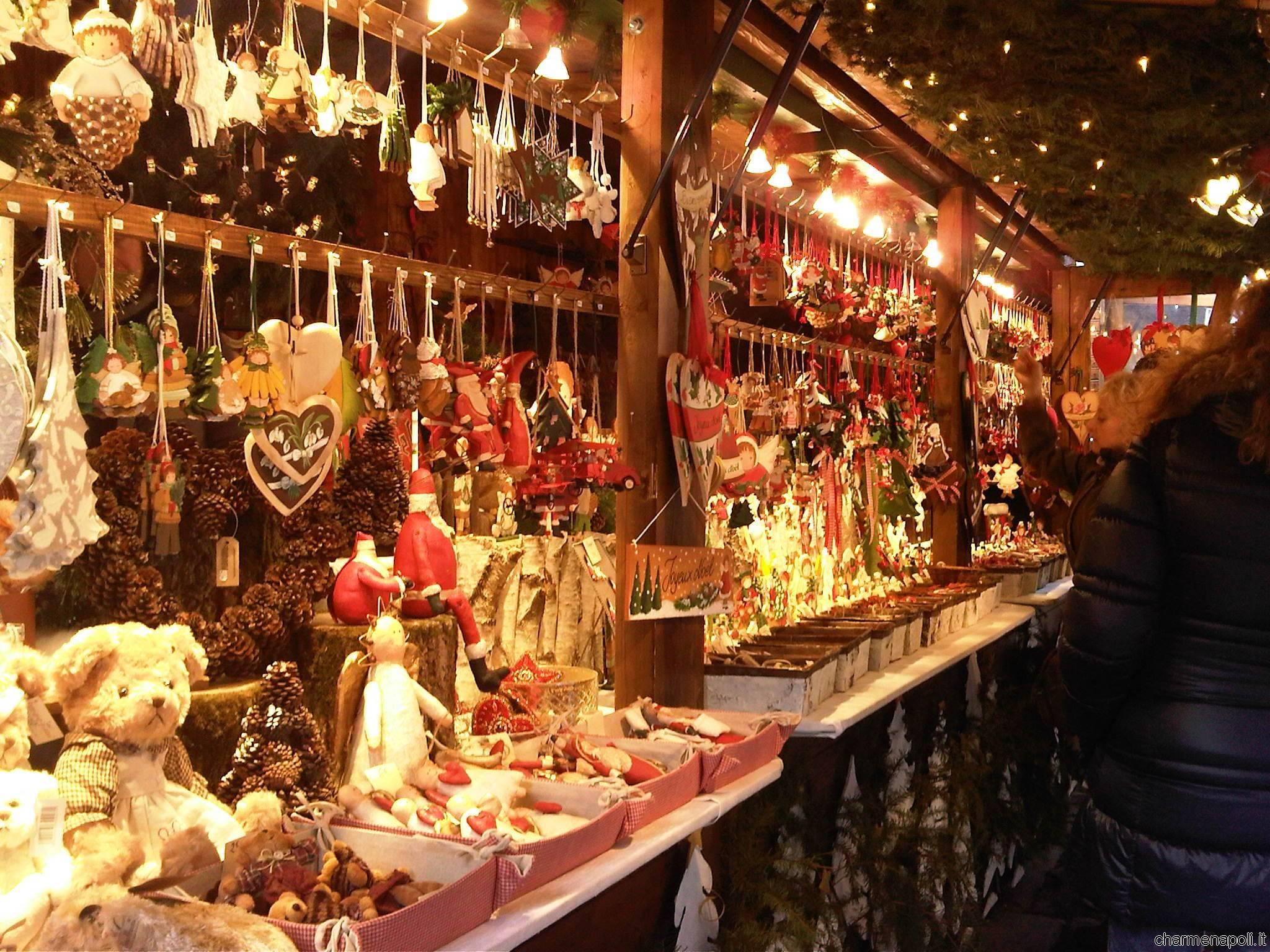 villaggio natalizio in Piazza Garibaldi