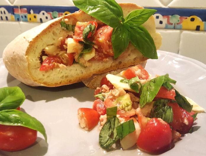 pane e pomodoro a Procida si chiama coluricio