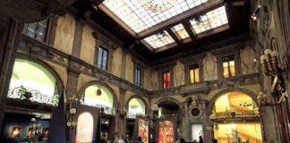 Interno di Palazzo Zevallos Stigliano a via Toledo a Napoli