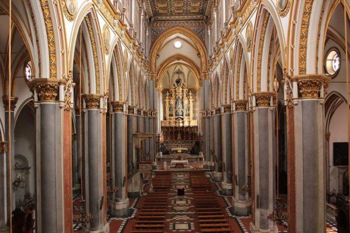 basilica di San Domenico Maggiore a Napoli